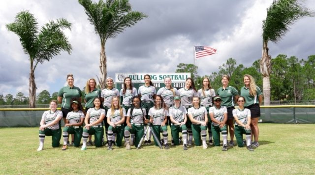 Flagler Palm Coast Bulldogs - Team Photo